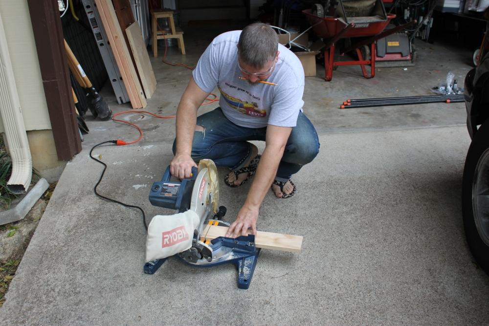 Plumbing Pipe Firewood Holder (2/6)