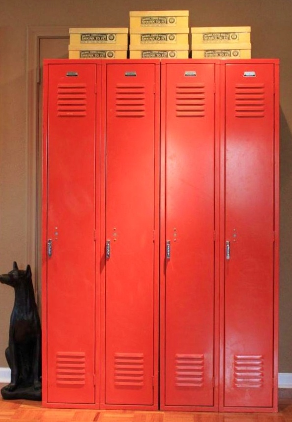 Red Lockers in the Cavender Den