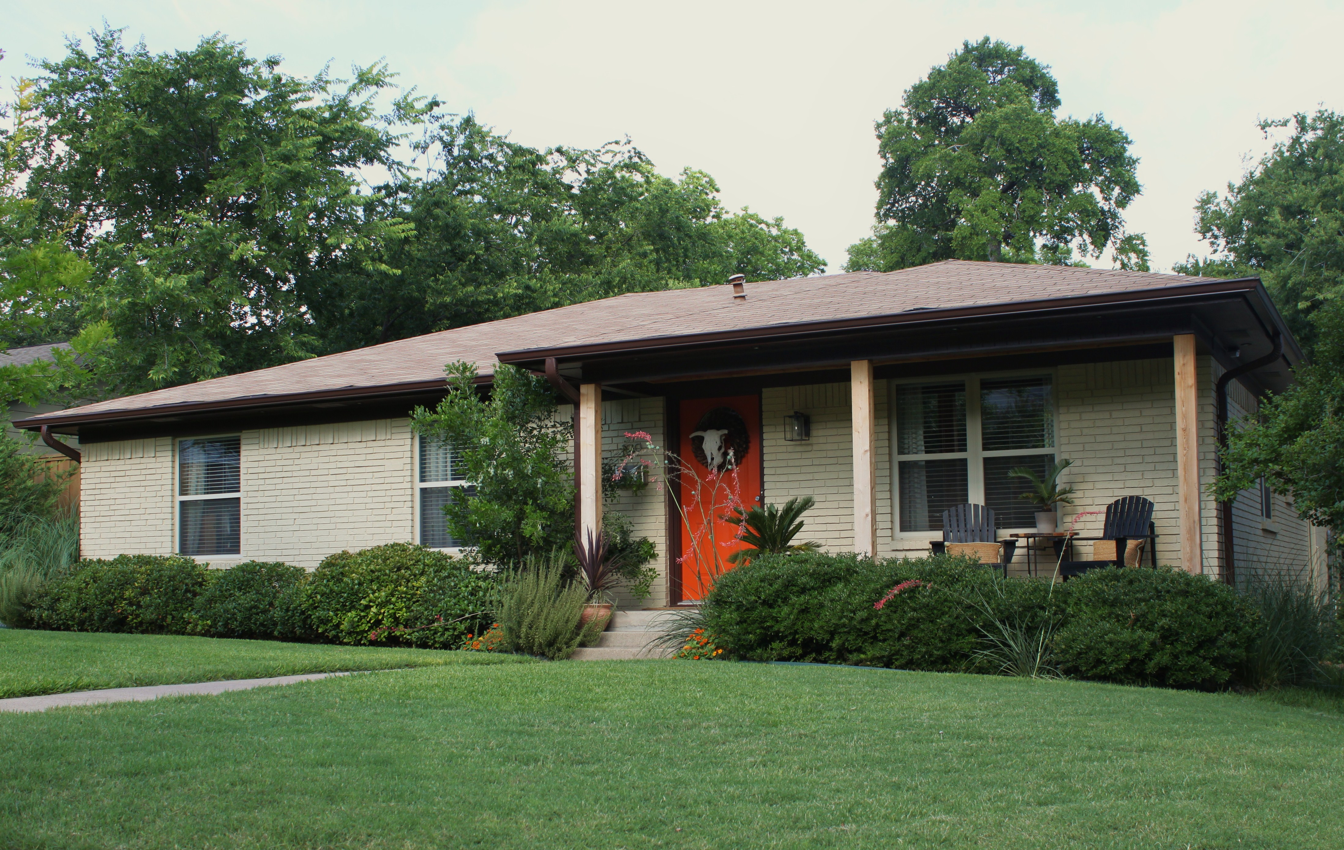 Modern cedar shutters the cavender diary for Brick houses without shutters