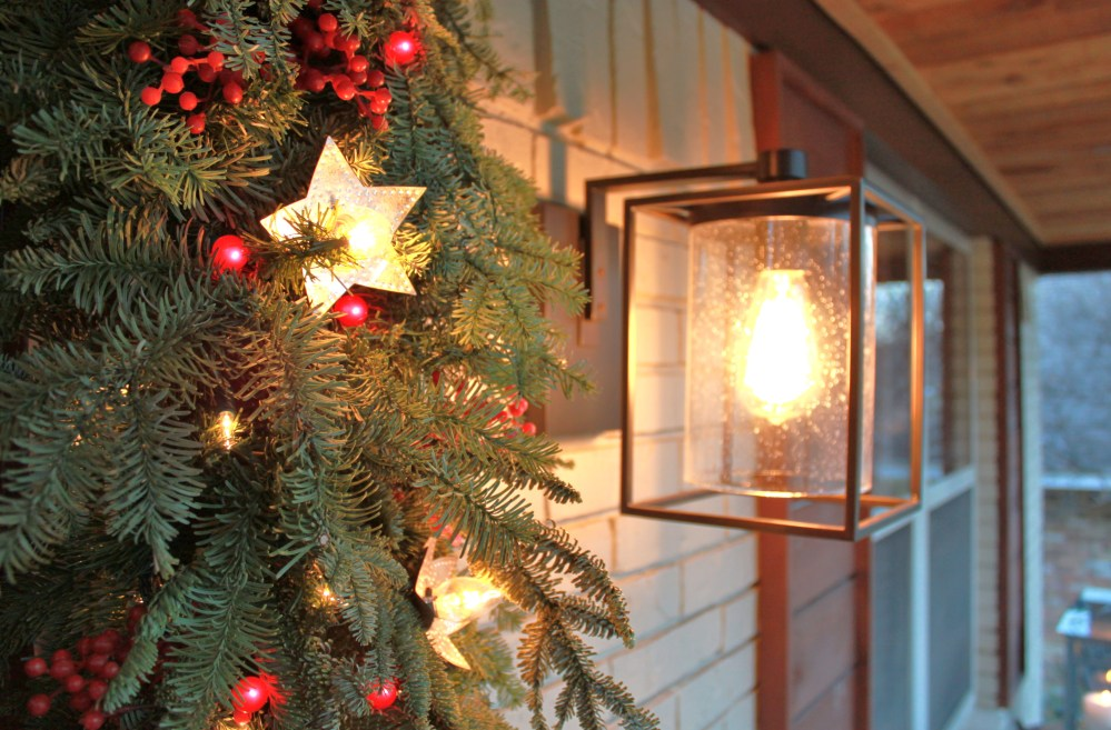 Pottery Barn light with ultra-thick garland