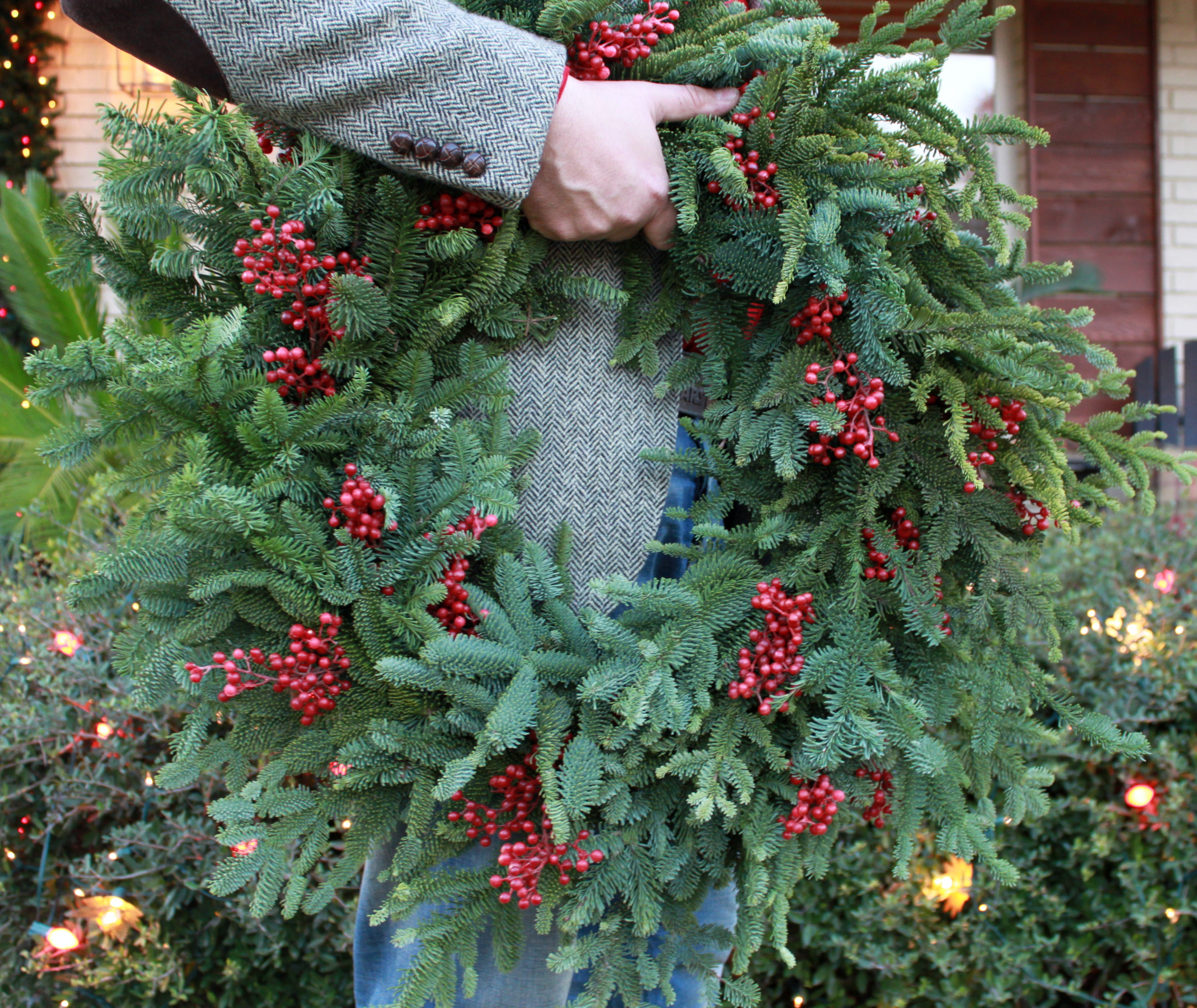 How to Make Your Own Christmas Wreath