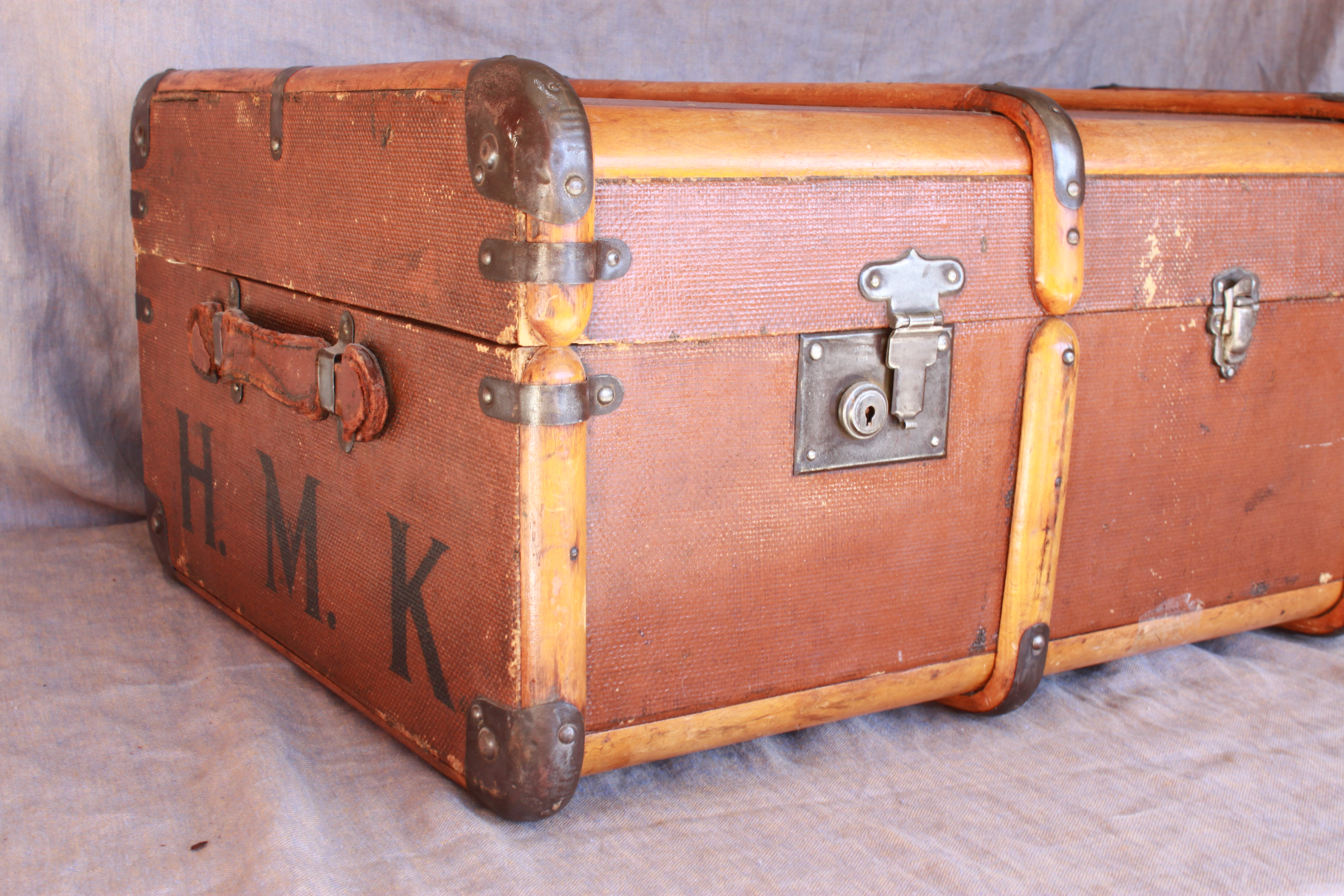 Vintage Steamer Trunk | THE CAVENDER DIARY