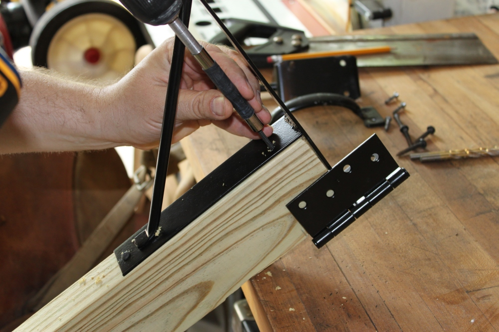 Attaching the Straightening Kit to the 2 X 4's