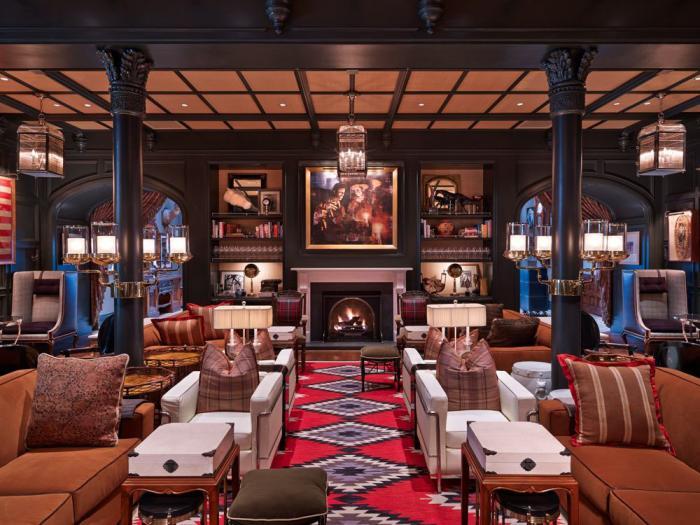 Hotel Jerome Loby