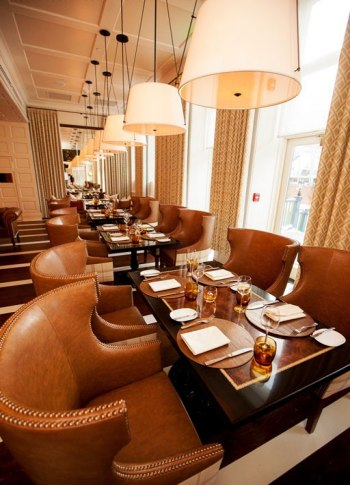 item8_rendition_slideshowVertical_hotel-jerome-restaurant-2