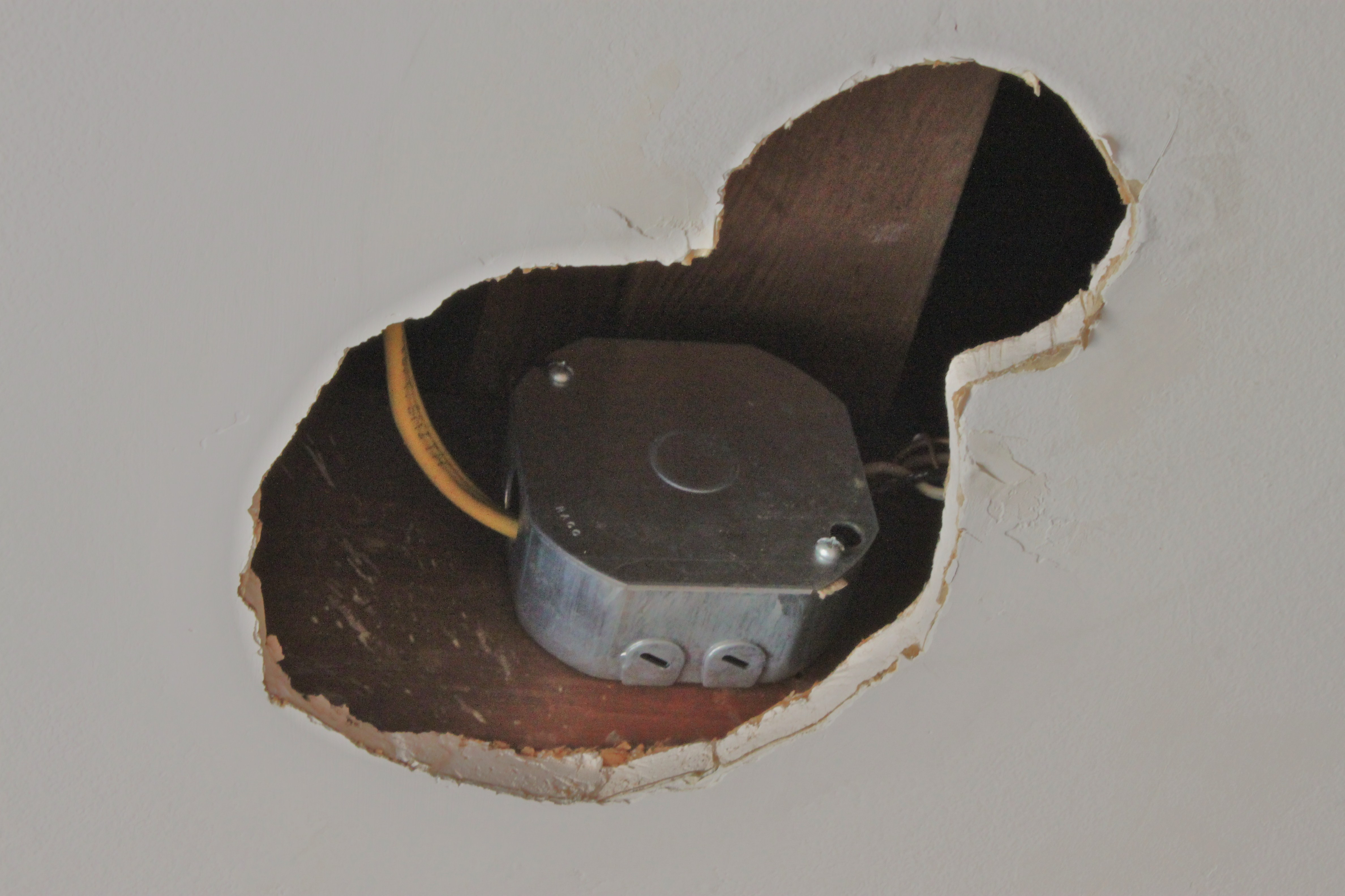 Installing A Junction Box In Ceiling Installing Free