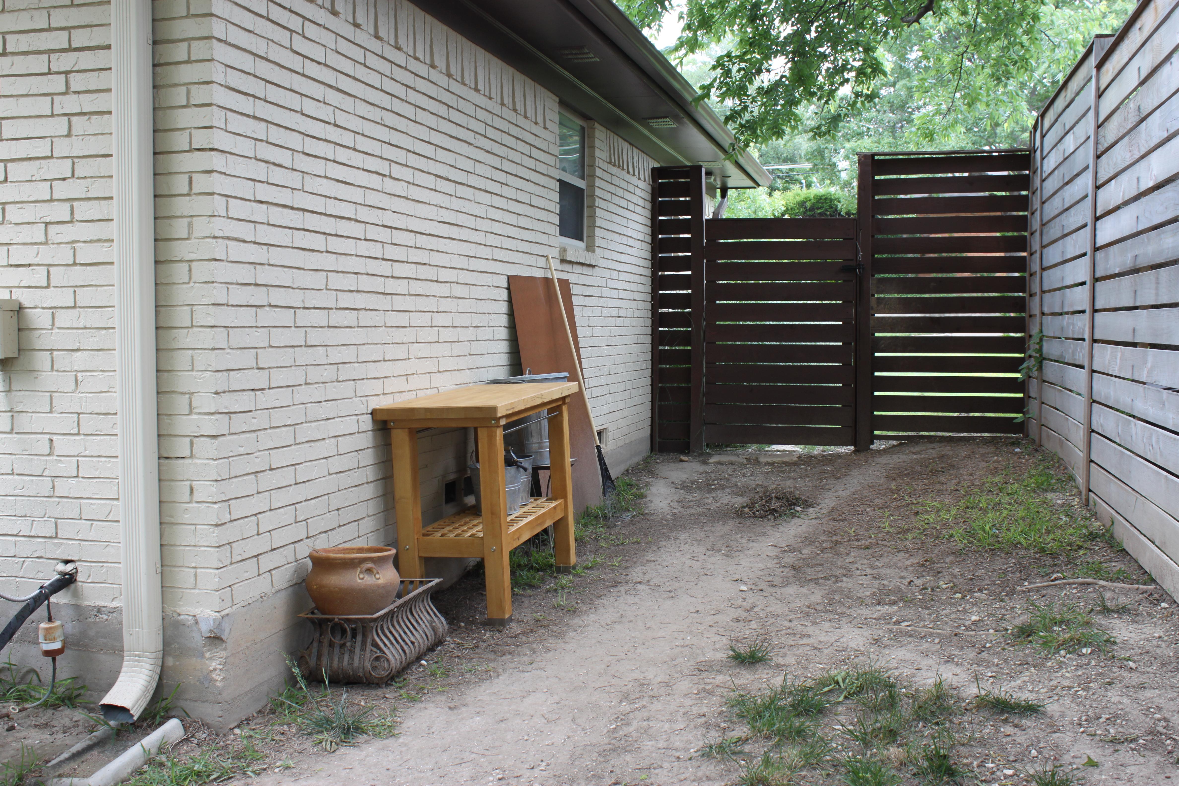 ^ Modern Horizontal Fence H VND DIY