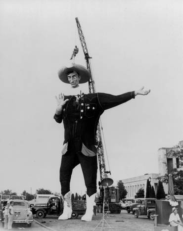 Big Tex Being Assembled for the First Time