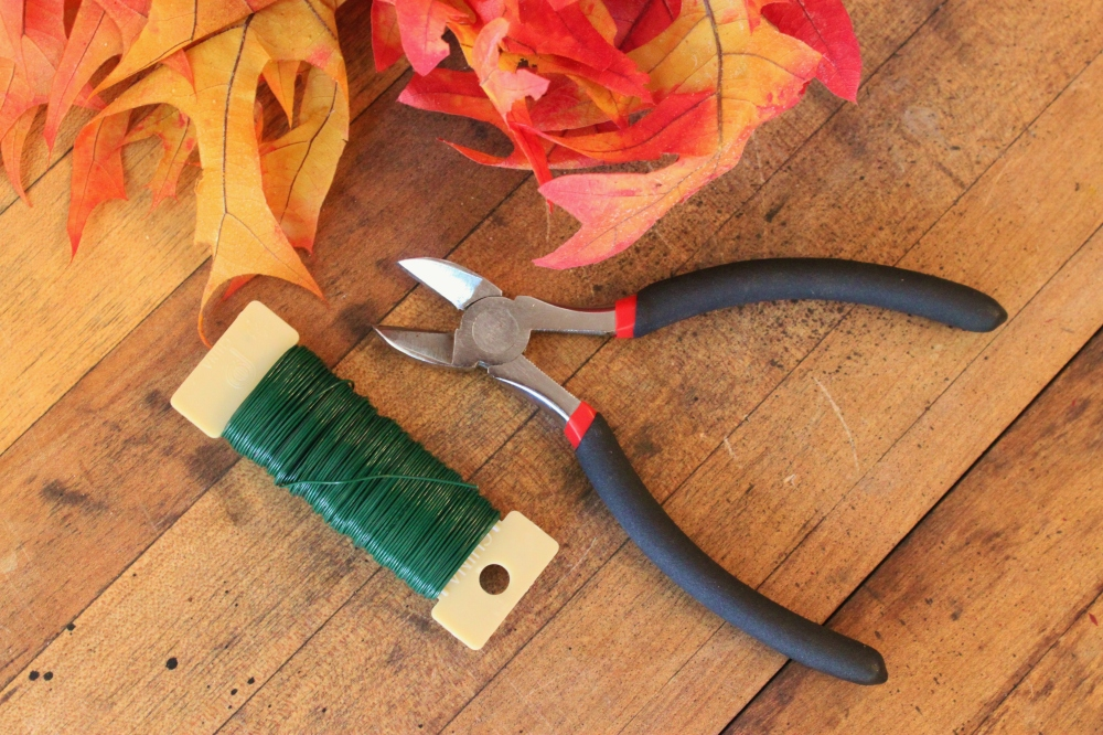 Paddel Wire and Snips to Attach the Leaves