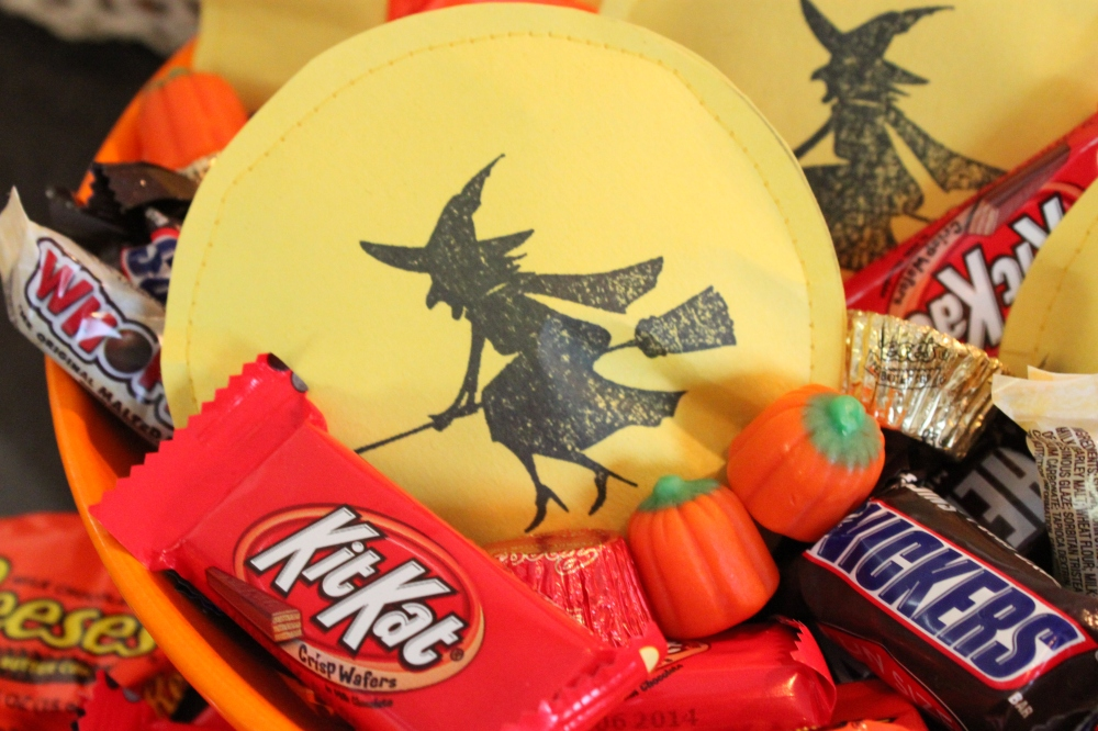 See The Witch in the Moon Candy Pack