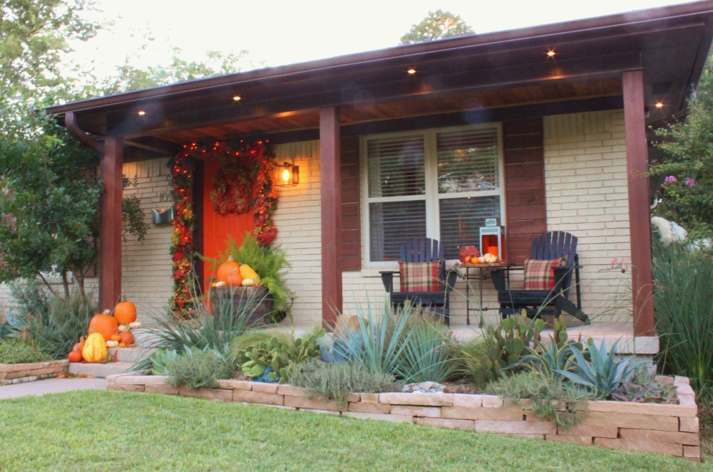 The Cavender Front Porch for Halloween 2013