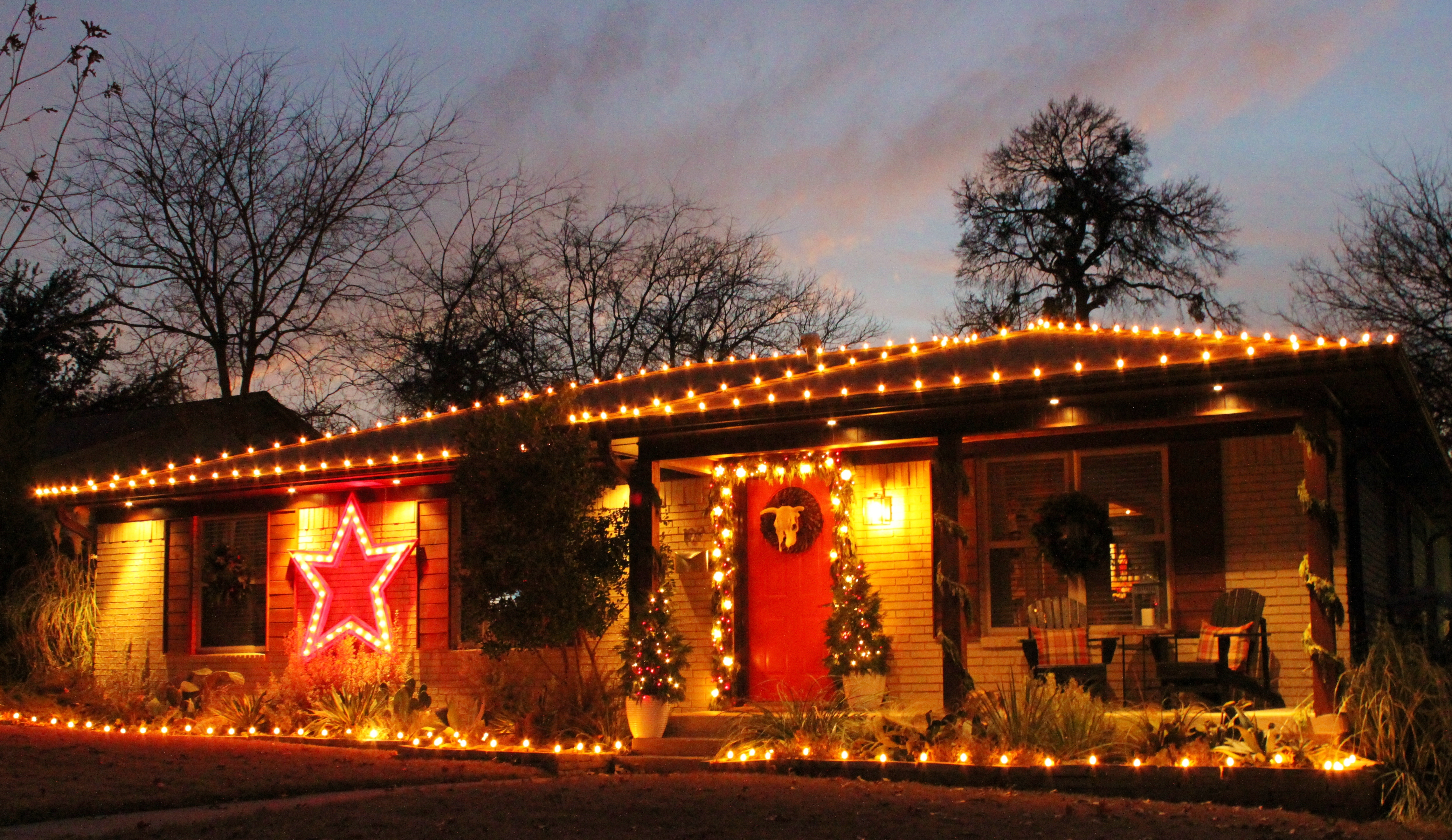 Christmas Decorating | THE CAVENDER DIARY