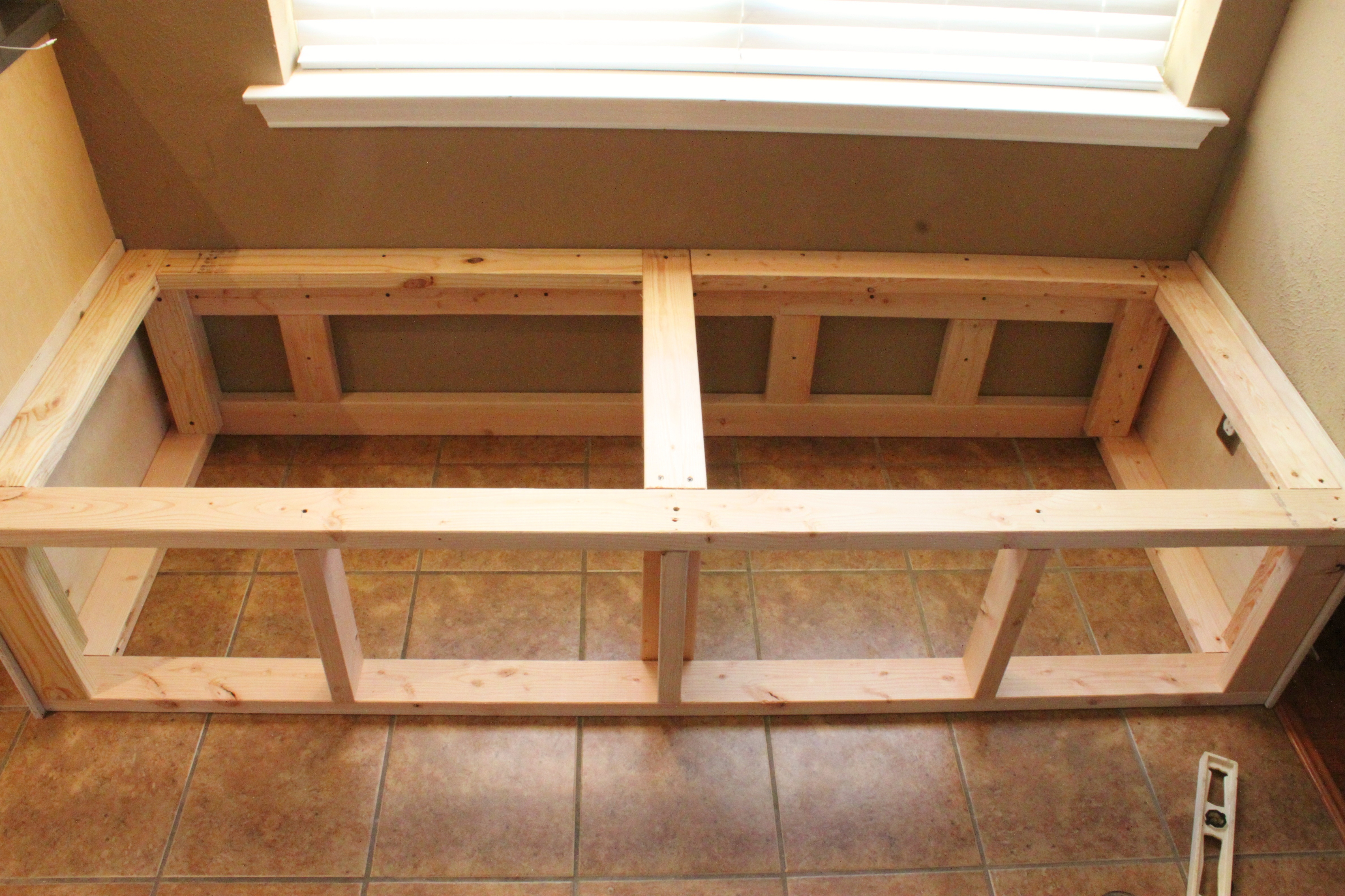 Build a Banquette   THE CAVENDER DIARY on