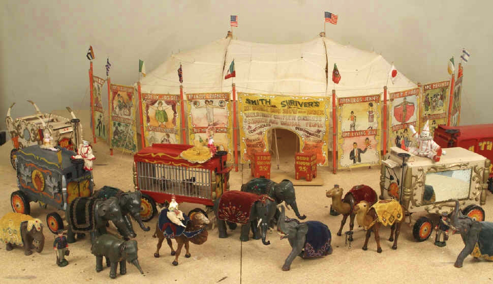 humpty Dumpty Full Circus by Schoenhut