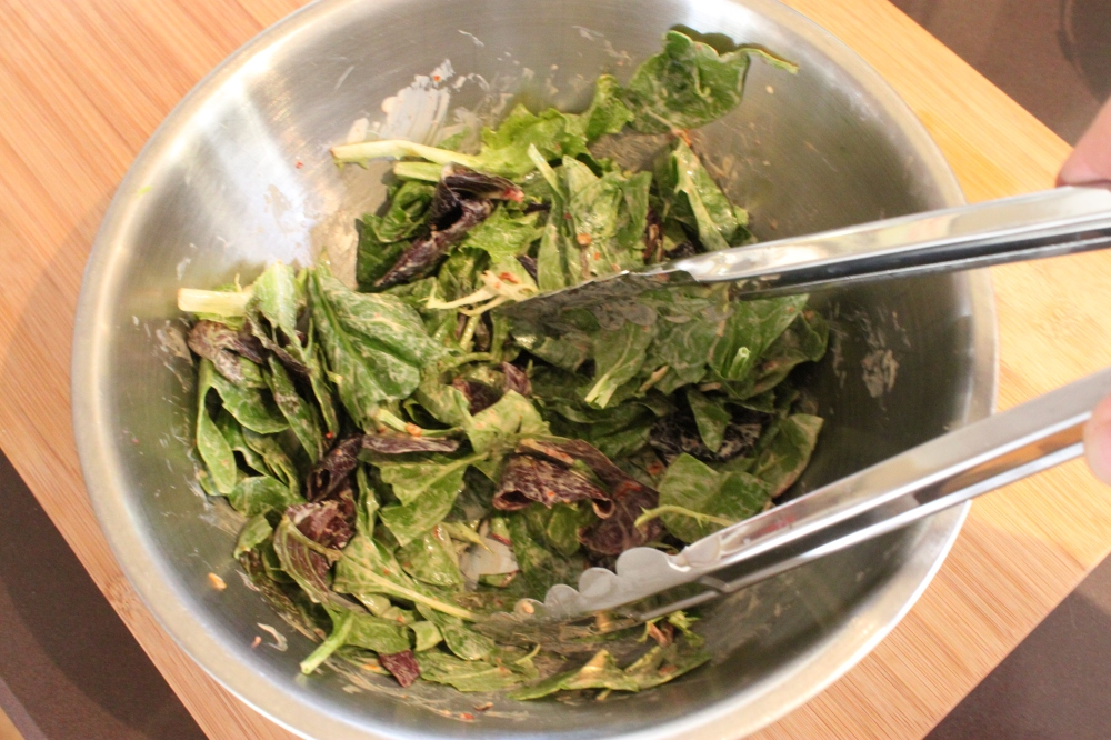 Toss Greens With the Chipotle Ranch Dressing