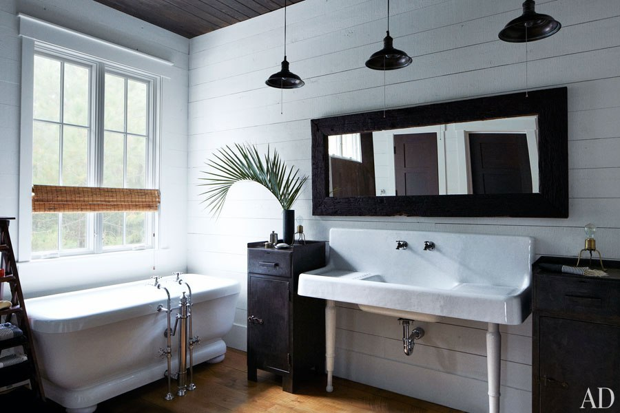 John Mellencamp's South Carolina House Master Bathroom