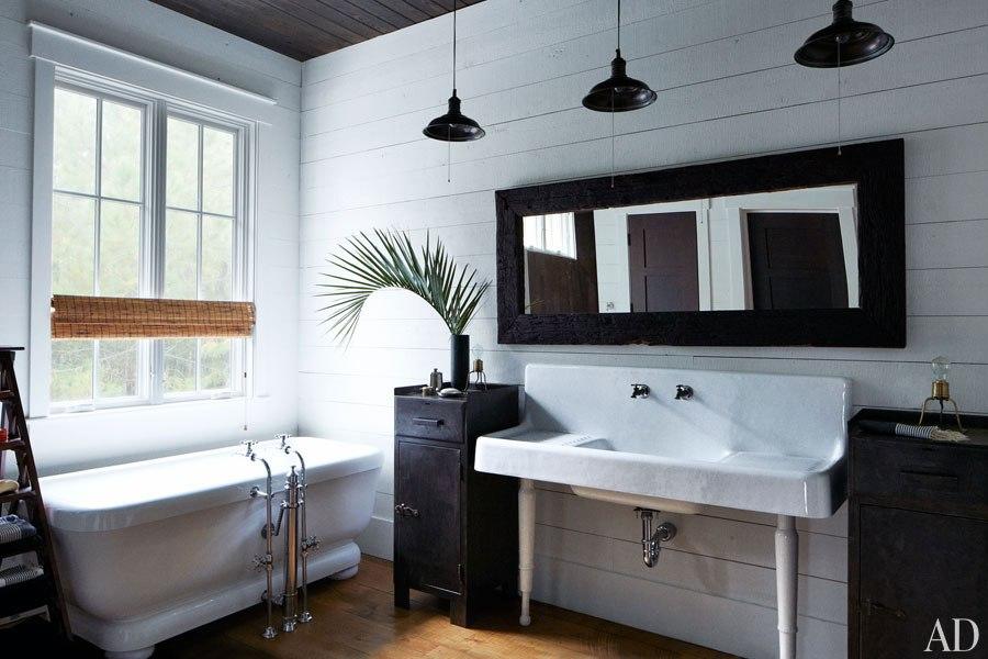 John Mellencamp's South Carolina House Master Bathroom
