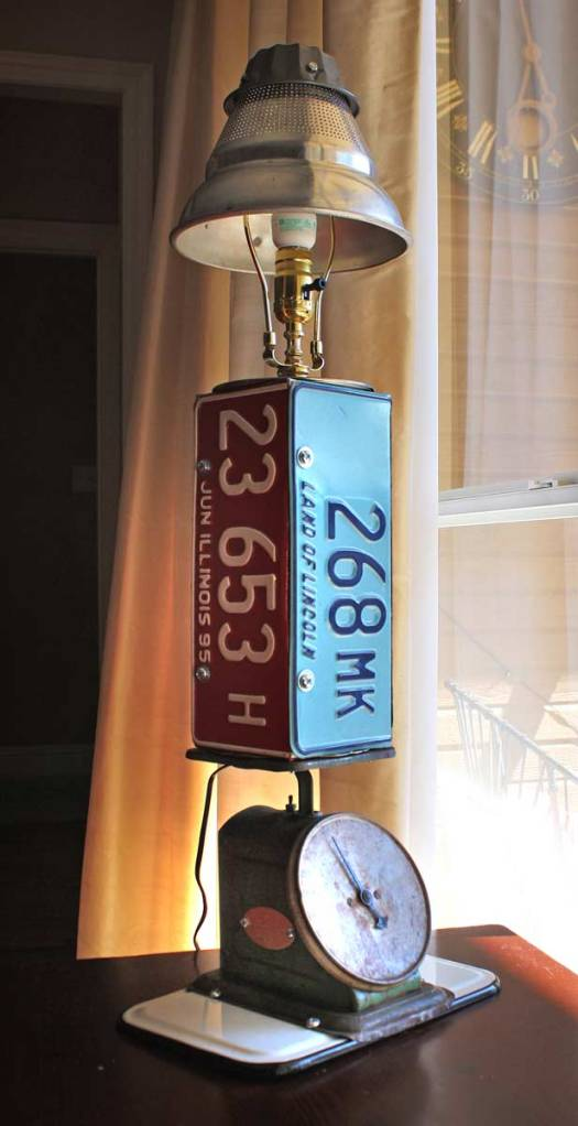 Upcycled Licenseplate Lamp by the Gadget Sponge
