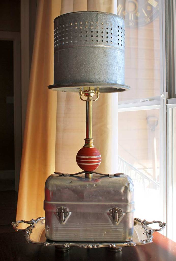 Upcycled Lunchbox Lamp by the Gadget Sponge