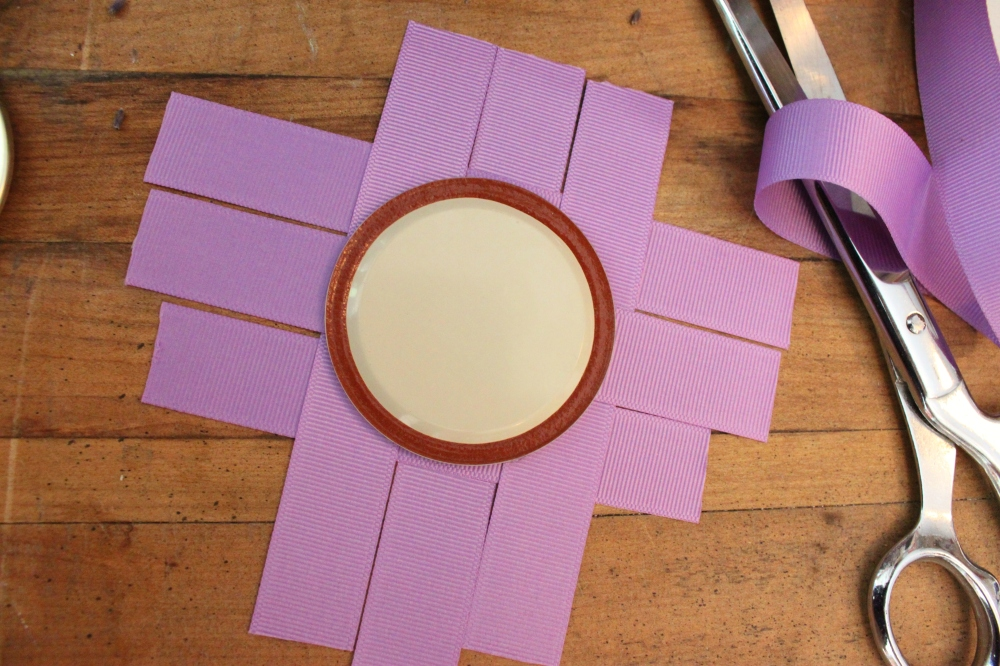 Hot Glue the Lid Onto the Ribbon