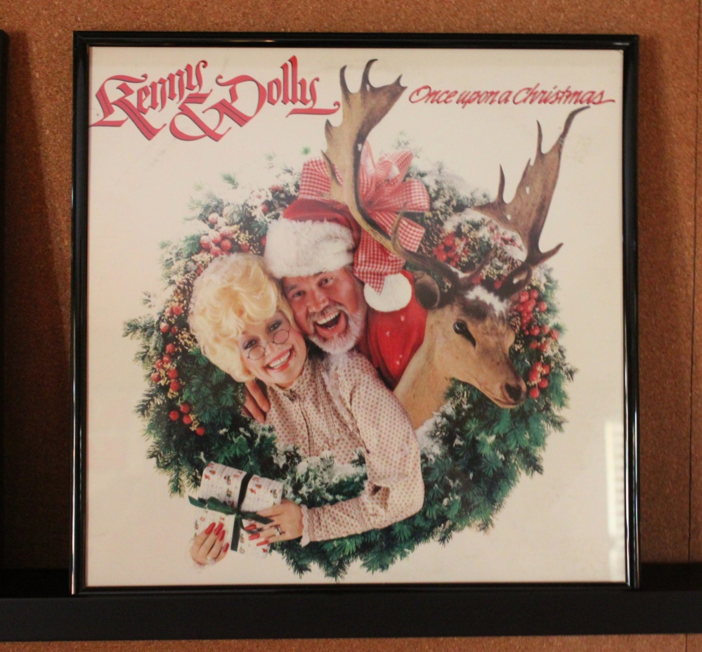 Kenny and Dolly - Once Upon a Christmas