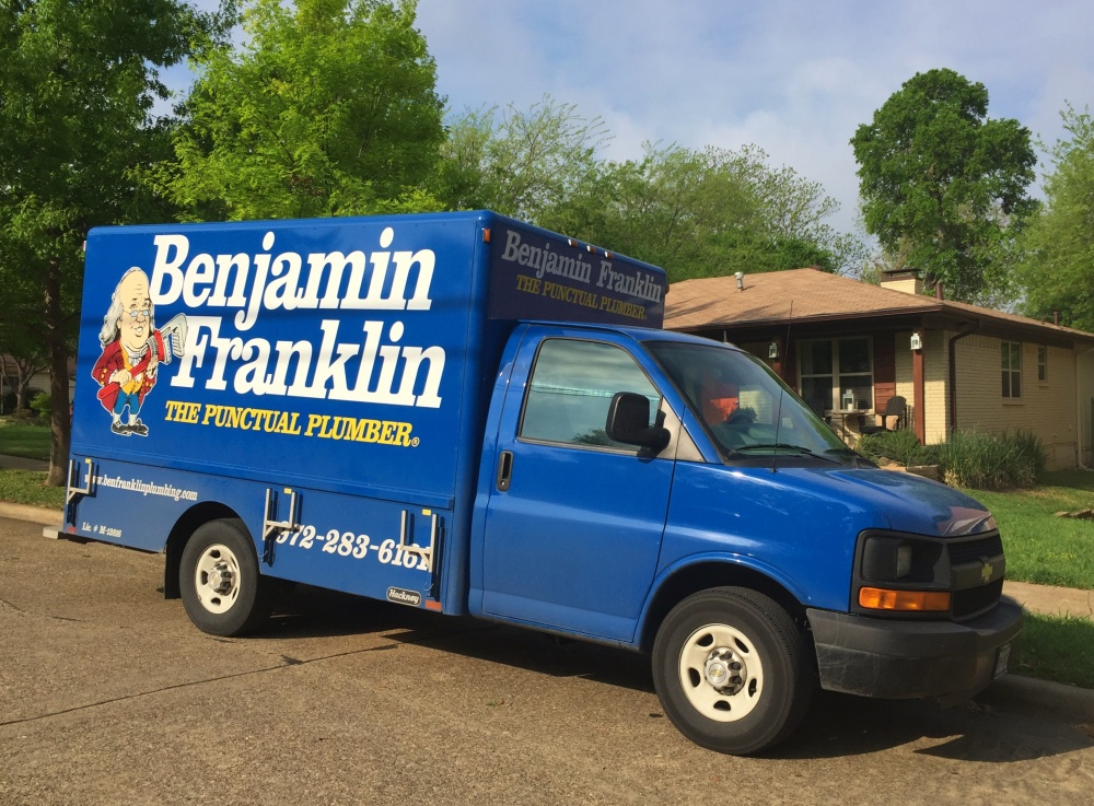 Benjamin Franklin Truck in Front of the Cavender House