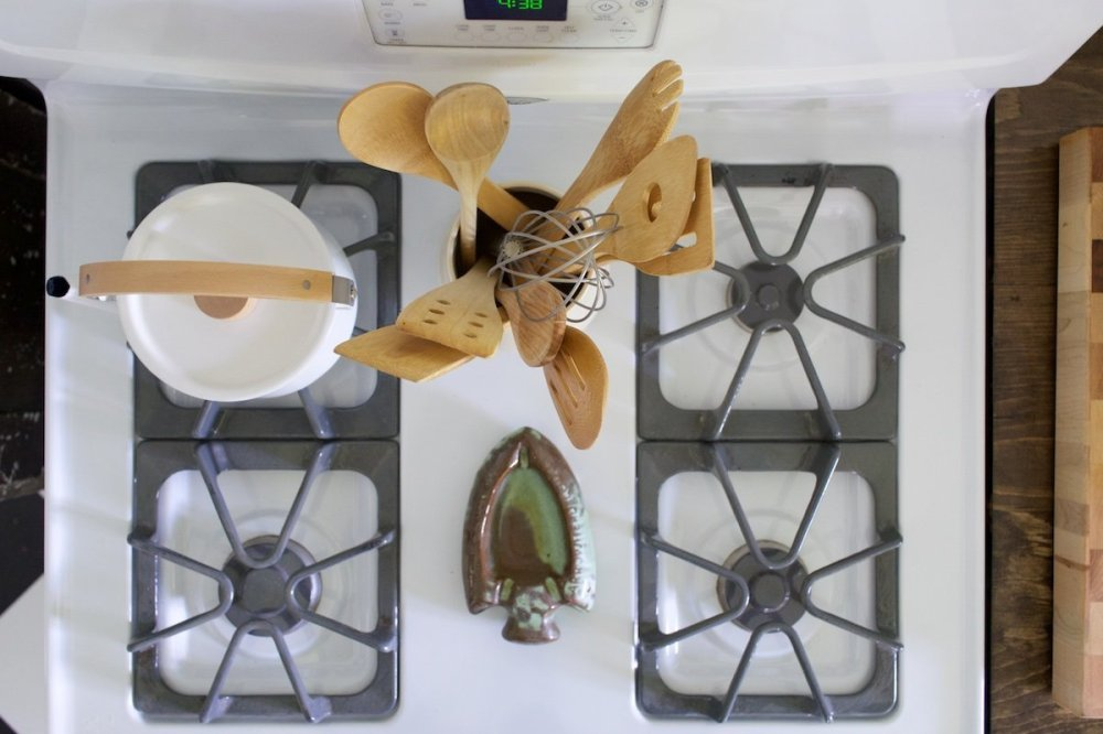 Roger and Chris's Stove Top in Sharon Springs with Frankoma Arrow Head Ashtray