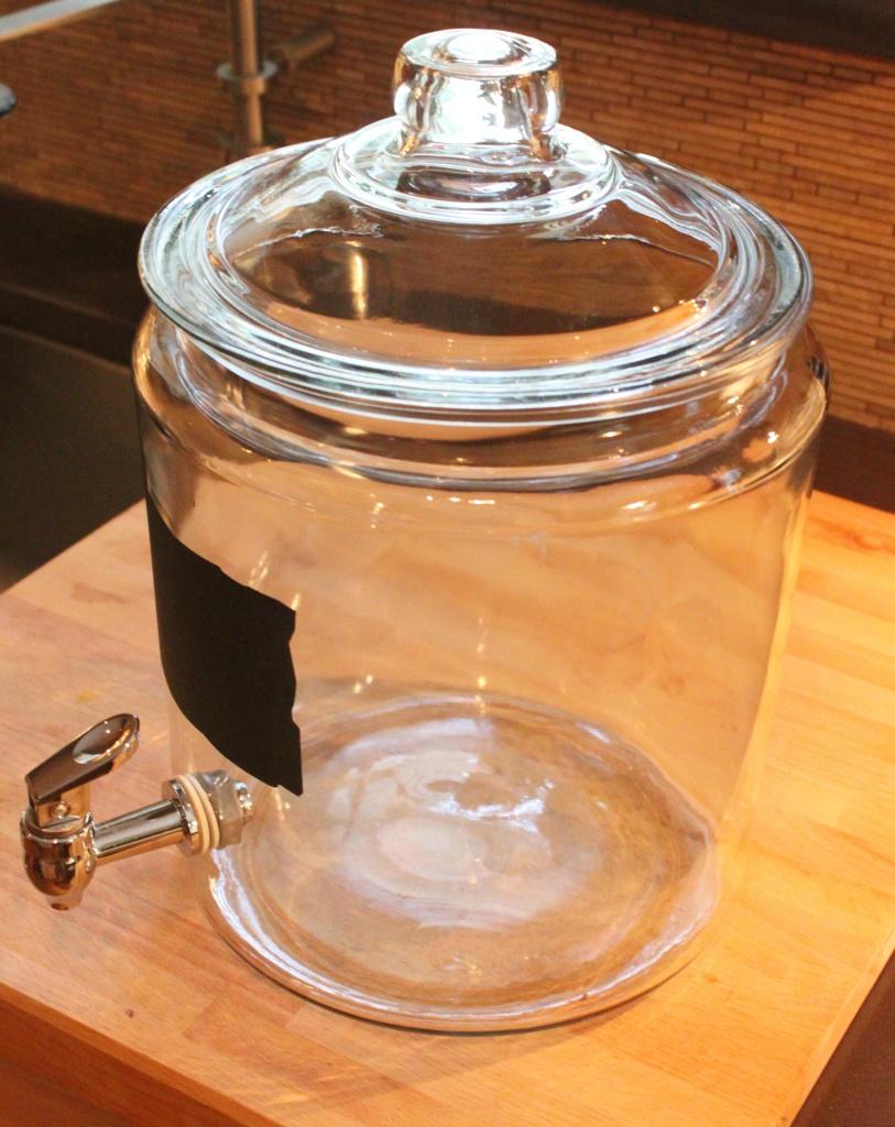2 Gallon Beverage Jar with Spout