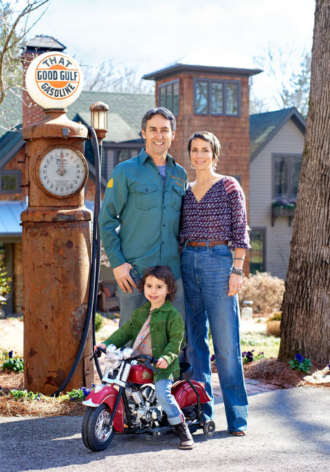 Mike Wolfe and Family in Front of their Nashville Home