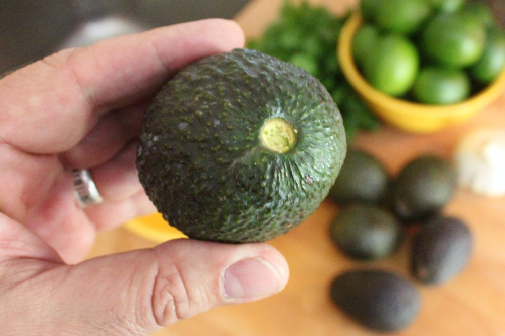 Check the Ripeness of an Avocado by Looking Under the Stem