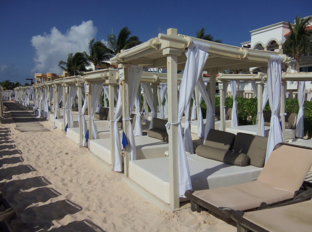 Beach Beds for the Taking at the Royal Playa del Carmen