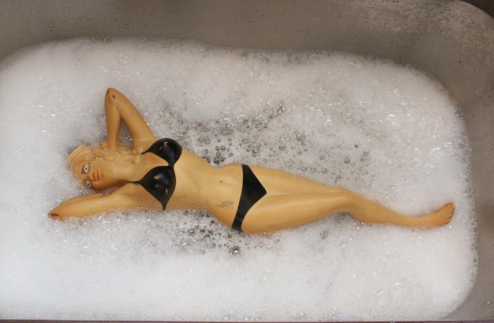 Jayne Mansfield Water Bottle in the Bubble Bath Sink