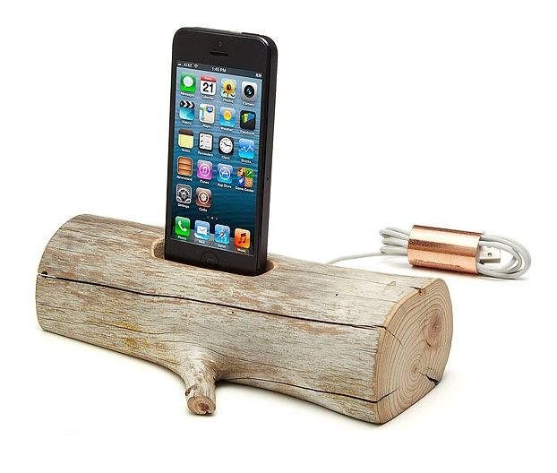Driftwood iPhone Charging Dock from Uncommon Goods