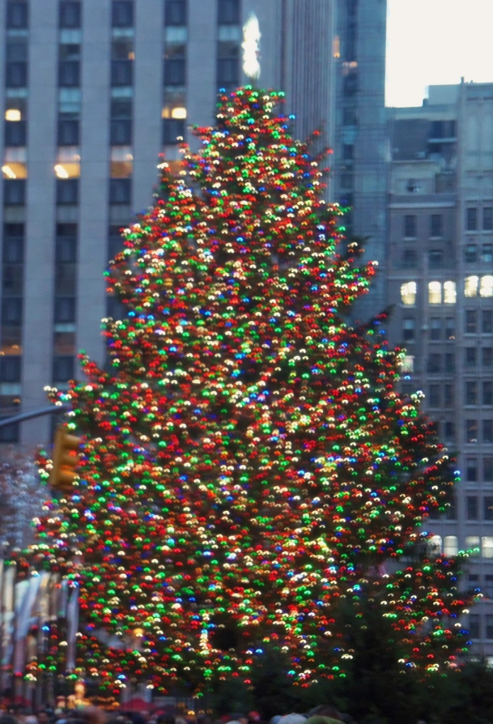 Blurry Tree at Rockefeller Center