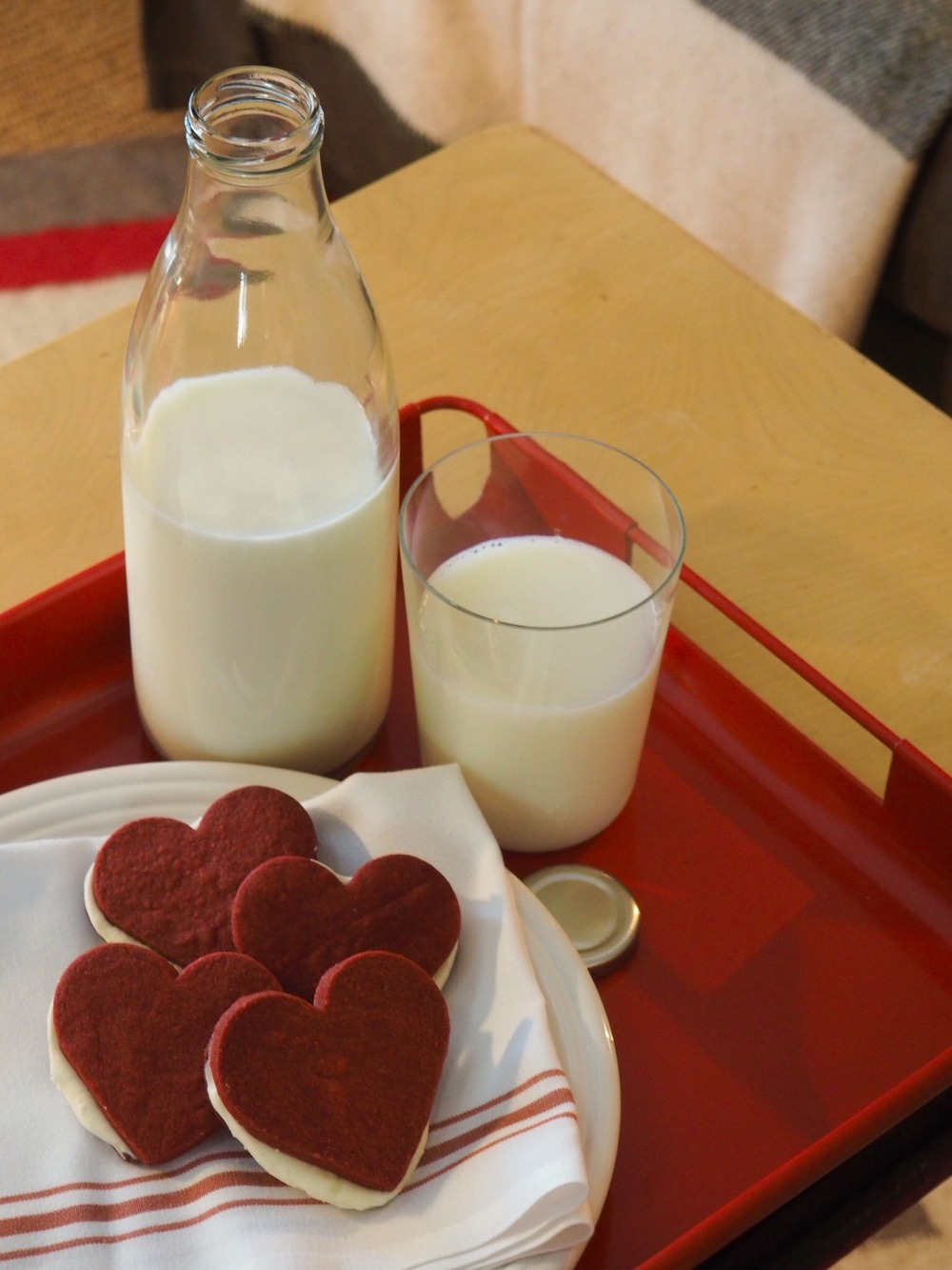 Red Velvet Sandwich Cookies and Milk