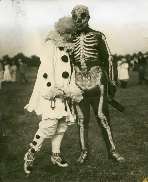 Old Halloween Costumes From Between the 1900's to 1920's (8)