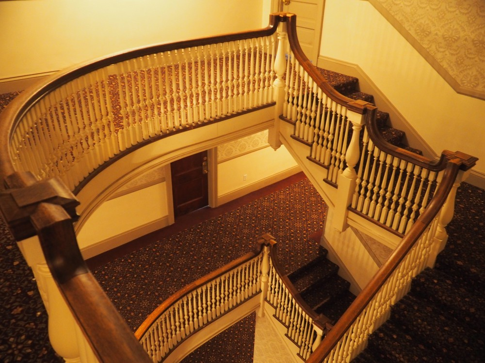 creepy-stairwell-of-the-stanley-hotel