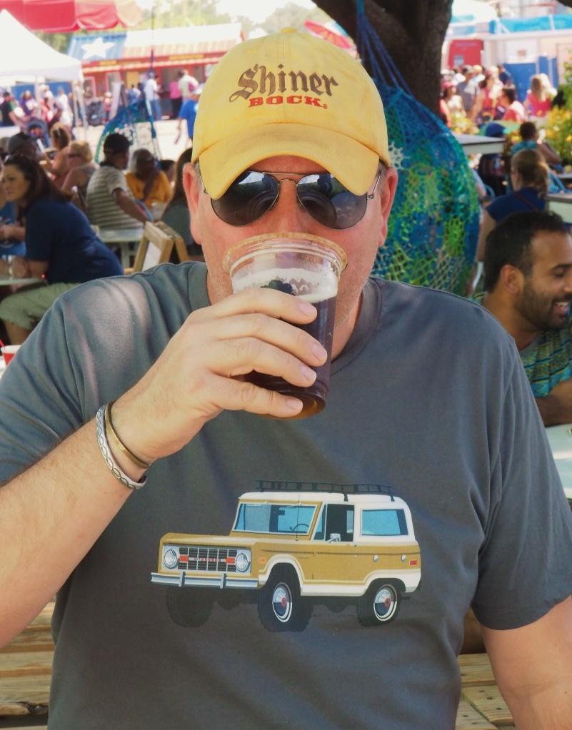 james-drinking-the-pumpkin-spice-beer