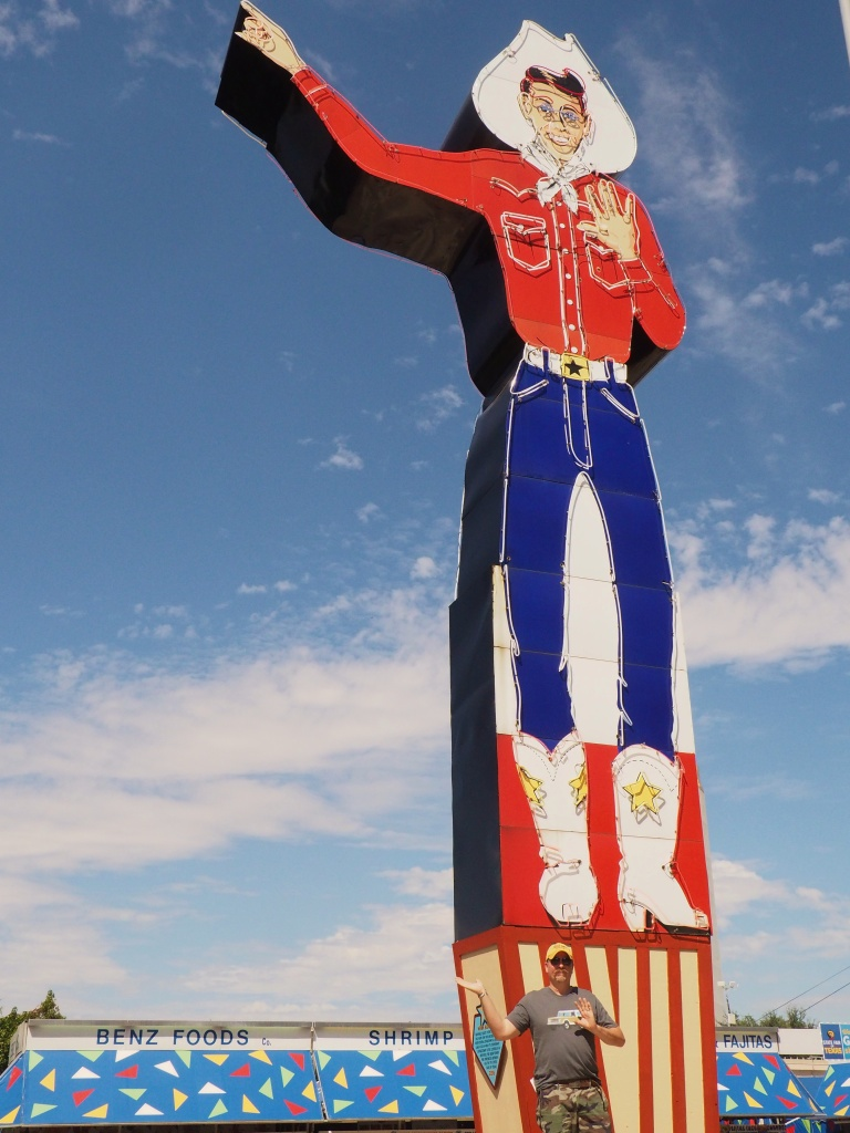 james-in-front-of-the-liquor-store-big-tex
