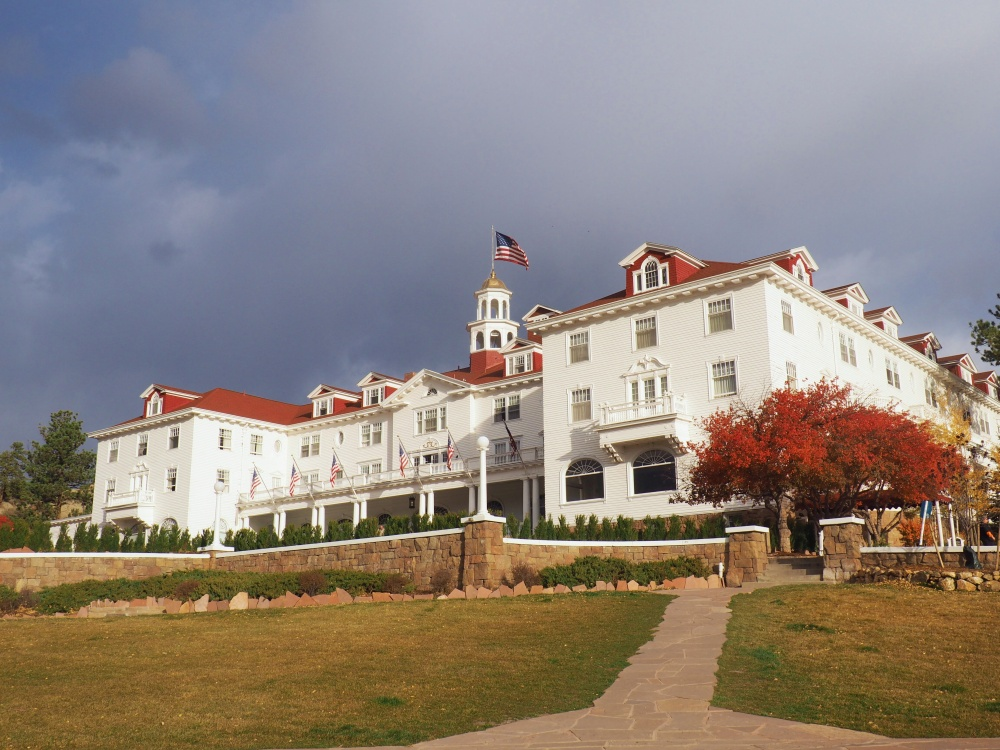 the-stunning-stanley-hotel-in-estes-park-colorado