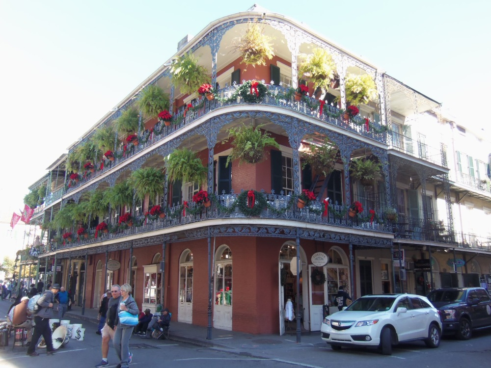 beautiful-achitecture-of-the-french-quarter