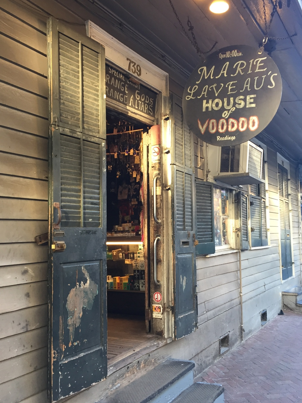 marie-laveaus-house-of-voodoo