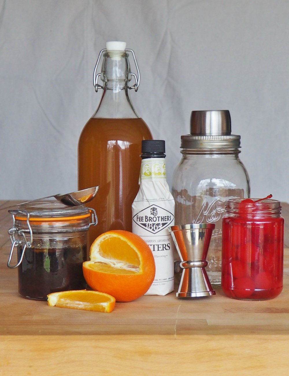 all-the-ingredients-for-the-bacon-bourbon-old-fashioned