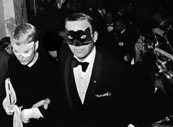 Harry Benson Frank Sinatra & Mia Farrow 1966
