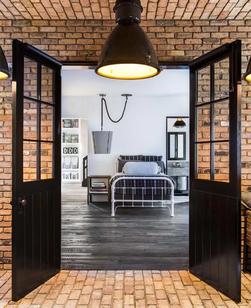 Guest Room Inside Daine Keaton's Pinterest House