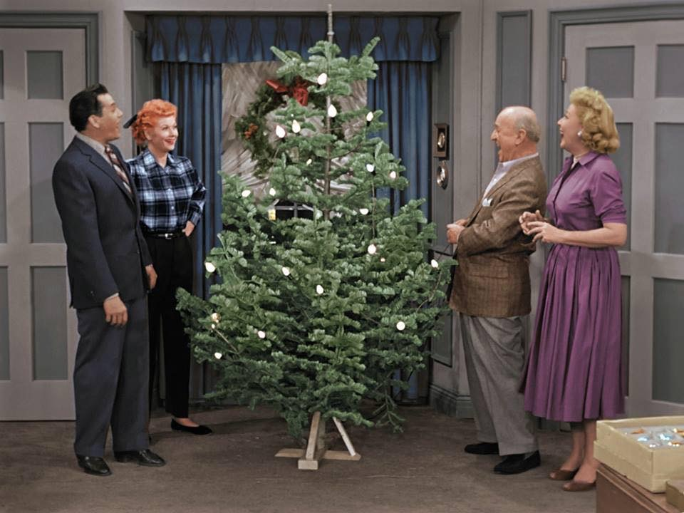 Ricky Lucy Fred and Ethel Decorate the Ricardo's Tree