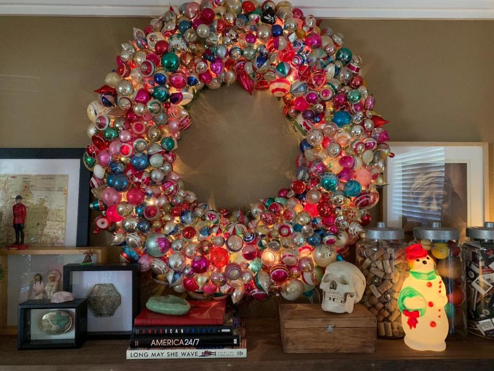 Big Ornament Wreathin the living Room