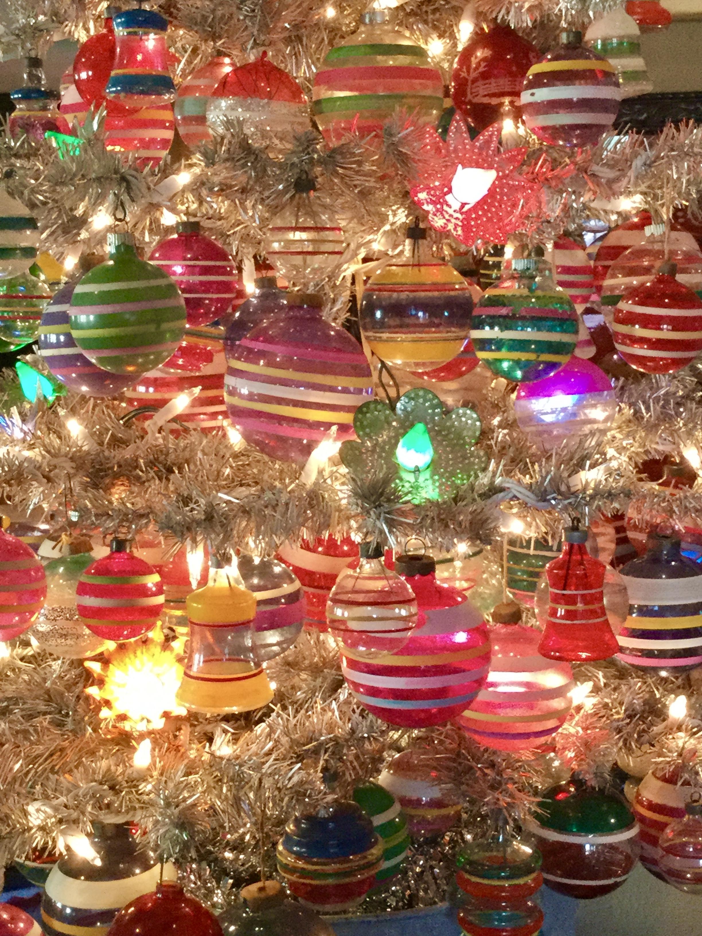 Close Up of my 1940's Christmas Tree