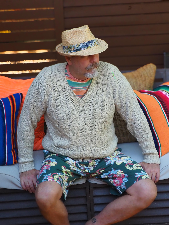 Linen Golf Sweater with Hawaiian Shorts